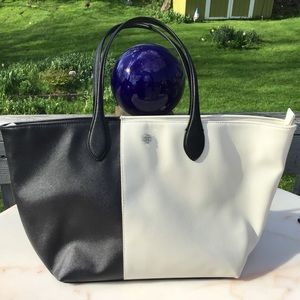 EUC Ann Taylor Tote Black & White
